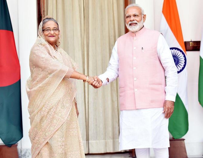 बांग्लादेश को 29000 Cr का कर्ज देगा भारत, दोनों के बीच 22 करार हुए